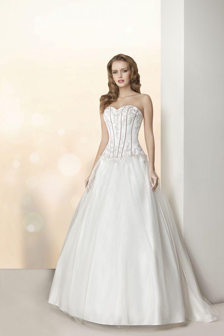 49 best Brautkleider images on Pinterest | Short wedding gowns ...