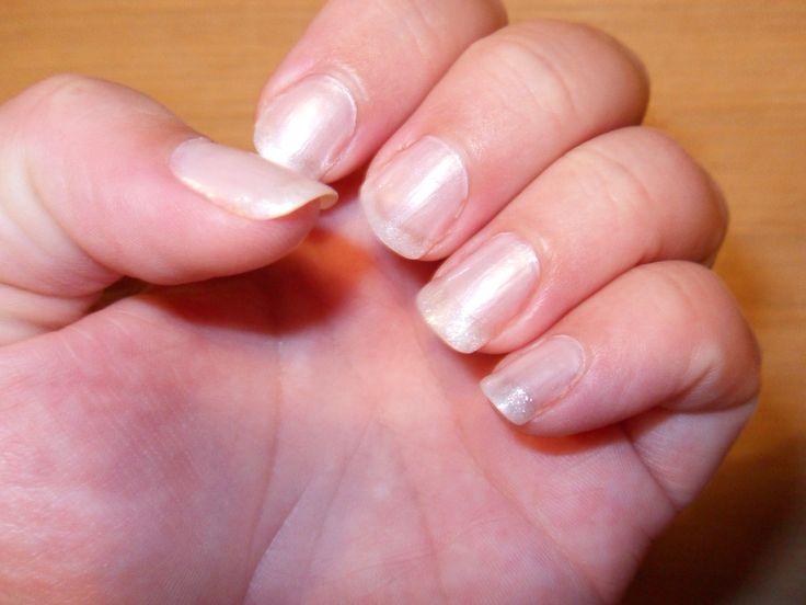 Negle. Fransk manicure m. glimmertips.