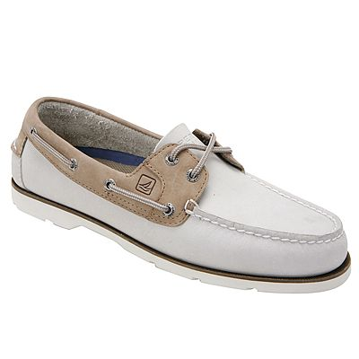 Classic Sperry boat shoes for men in beige/brown color. LEEWARD OYSTER by SPERRY