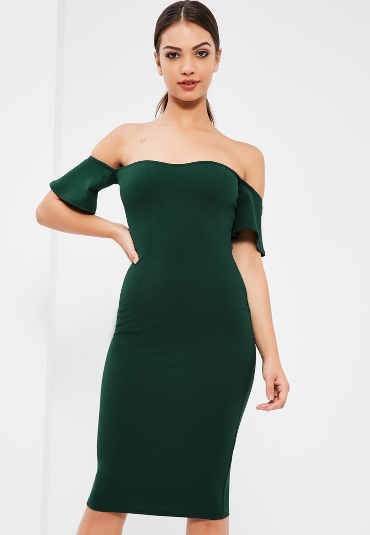 We're all over the Bardot trend here at Missguided and this green dress is as the top of our lust have list - featuring a mid length and bodycon style.