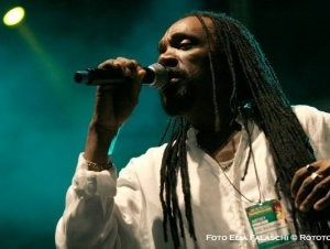 Glen Washington...my favorite lover's rock reggae artist! his voice though!