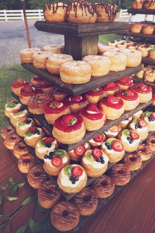 fall wedding cronuts table decor / http://www.himisspuff.com/fall-wedding-ideas-themes/9/