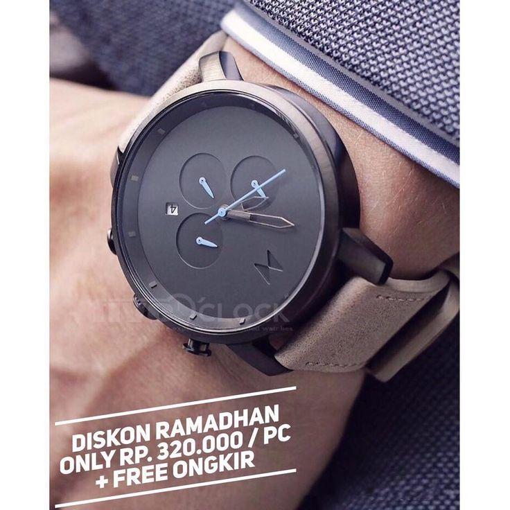 @Fiveoclock_Store  Special Ramadhan Promo 💕 Plus Plus !! 😍 (FREE ONGKIR KILAT JABODETABEK )  nb : potongan 20 rb di luar jabodetabek  Promo Sampai 25 JUNE 2017 😍😍 Stock terbatas ! Grab it fast guys ! . MVMT Chrono Series  ALMOST 1:1 WITH THE REAL ONE 👏🏻👏🏻 Detail : 👉🏻 GARANSI MESIN 2 BULAN ( SERVICE ) 👍🏻 👉🏻 Dapet exclusive MVMT Box Seperti di Foto 👏🏻 👉🏻 Waterproof ( Hujan rintik ) ( 3 ATM ) 💕💕 👉🏻 Diameter size 45mm 👉🏻 Tali Genuine Leather 22mm 👉🏻 Chrono Stopwatch Dan…