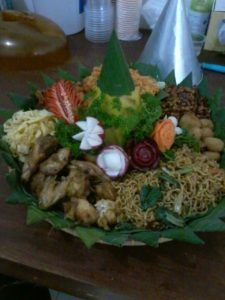 Catering tumpeng 085692092435: 0811-8888-516 Pesan Nasi Tumpeng Di Kampung Melayu...