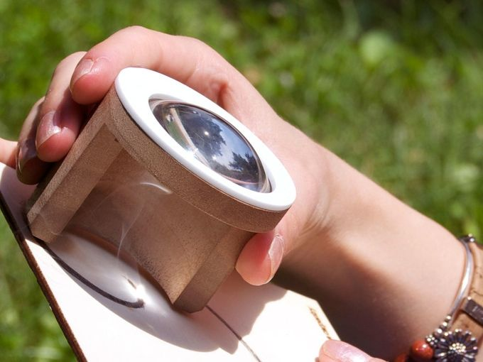 Febo, An Easy to Use Wooden Engraving Tool That Lets You Draw and Paint With a Lens and the Power of the Sun