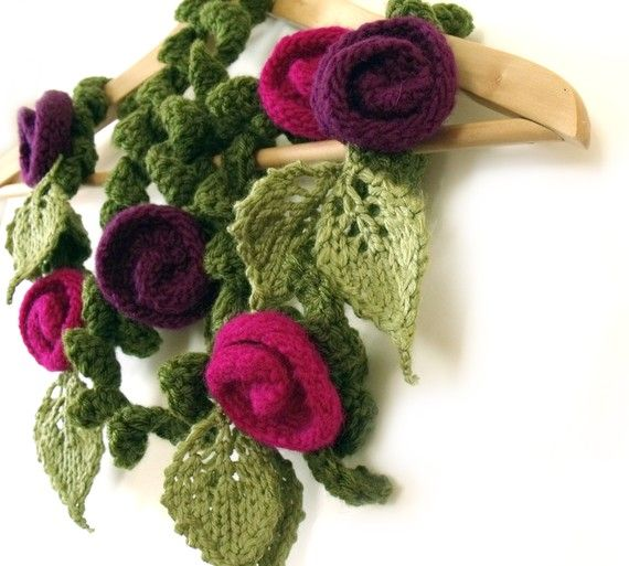 gorgeous scarf!: Flowers Scarfs, Knits Crochet, Knits Scarves, Freeform Knits, Felt Rose, Knitted Flowers, Crochet Crafts, Knits Flowers, Crochet Patterns