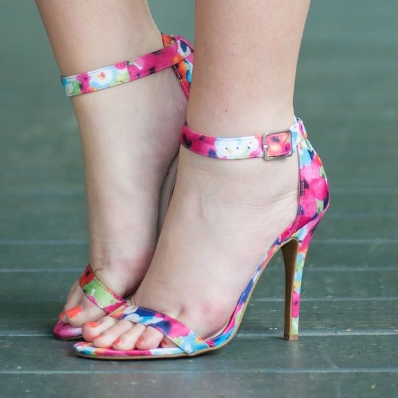 Floral strappy heels Floral strappy heels worn once. Originally from mint julep boutique. Shoes Heels