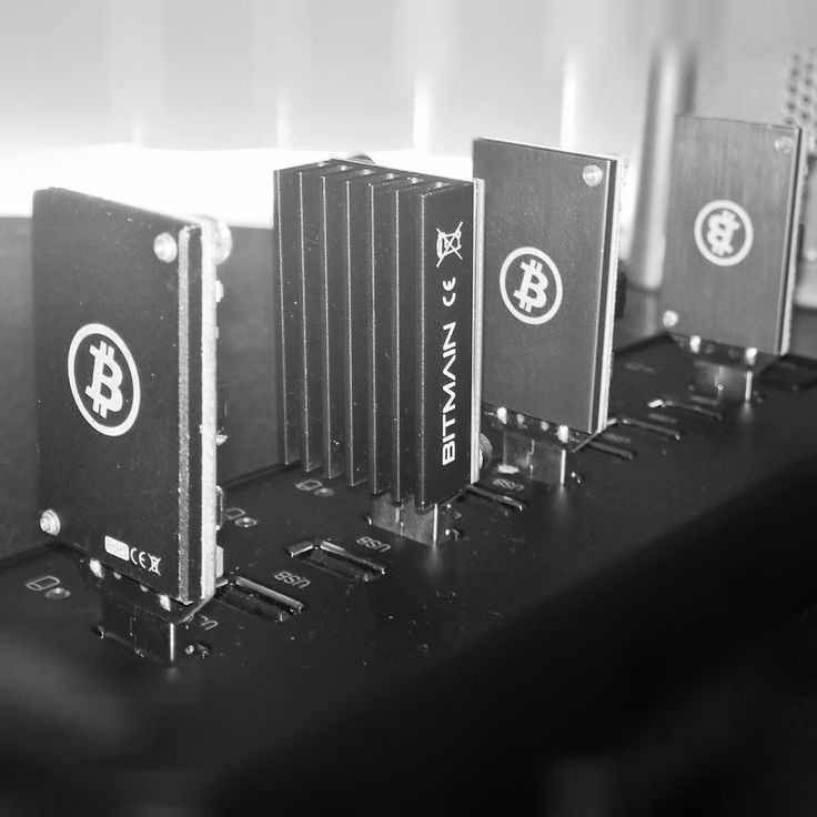 Something we loved from Instagram! Far from the most effective way but I'm just seeing how all this works. Hoping to invest in something near the tera-hash level #btc #bitcoin #bitcoinmining #asicminer #antminer #needtoupgrade #raspberrypi by gibeltilge Check us out http://bit.ly/1KyLetq