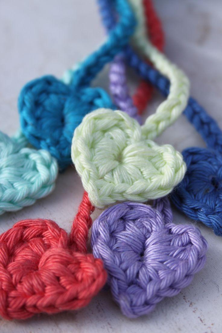 Mini hartjes in frisse lente kleuren