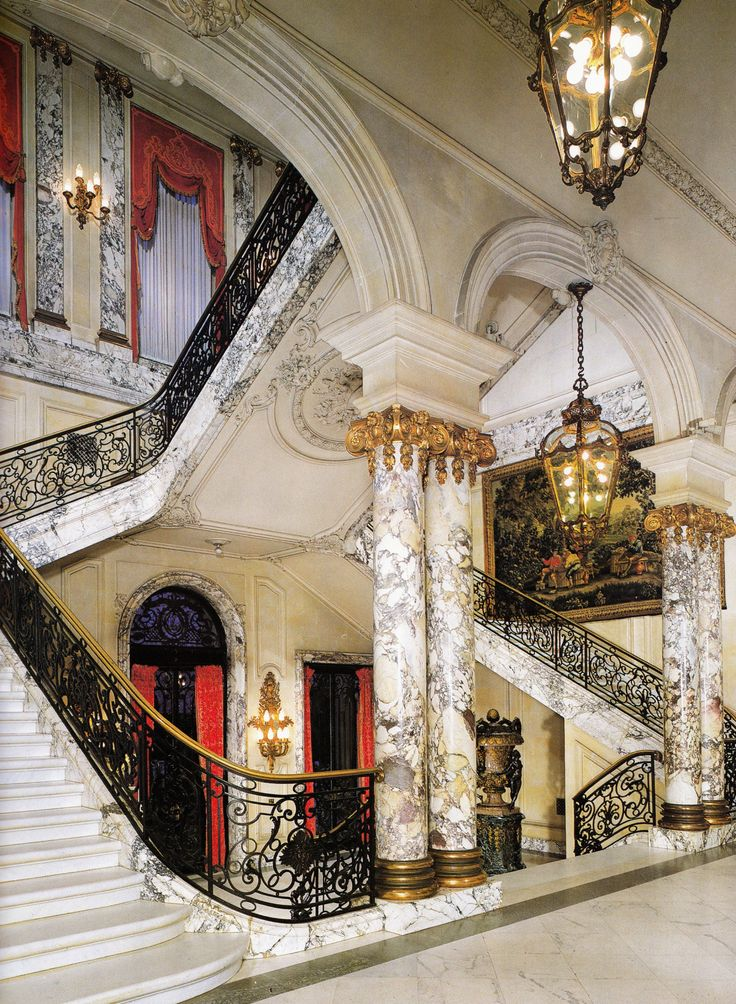 The Elms mansion Entrance Hall & Staircase in Newport ...