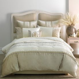 Beautiful Bed Linen Set from #TheHomeAus