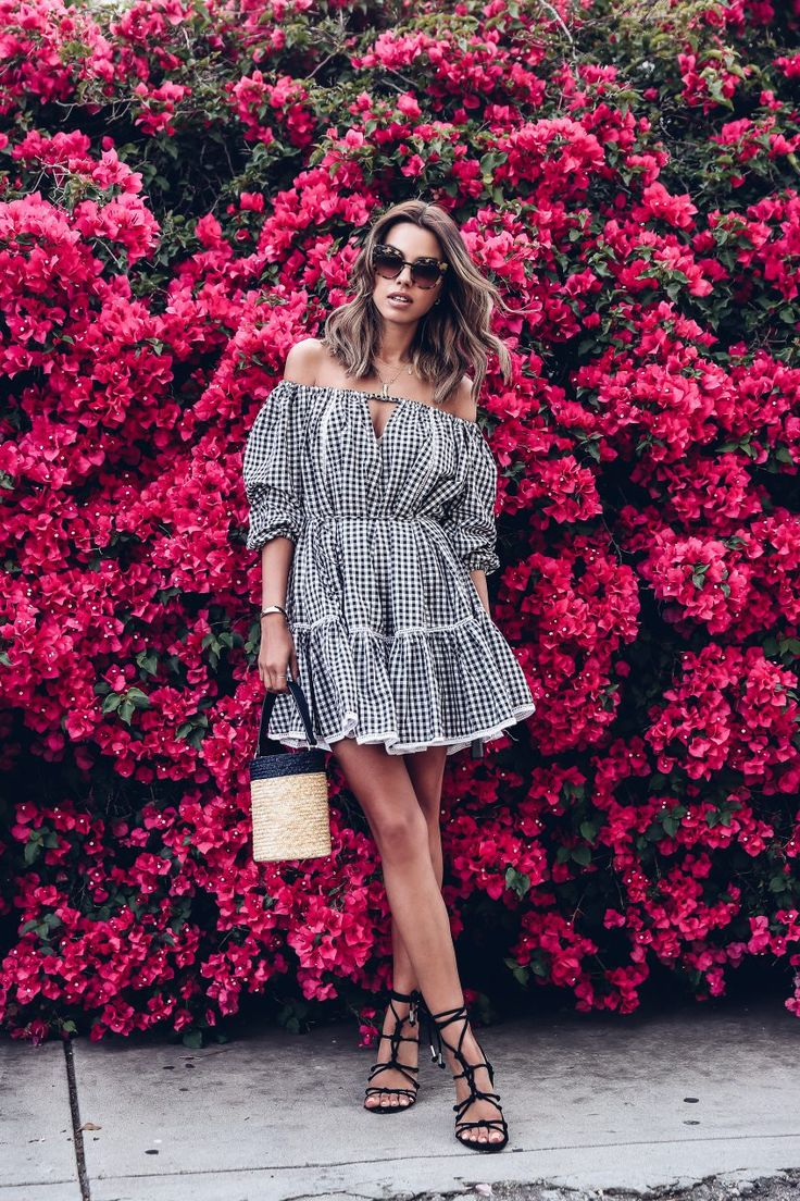 If you read my blog on the regular, you probably know that normally, I'm a solid colors kinda gal. Yet even I couldn'tstay away from this season's trendiest patterns and prints. Aside from the fact that there is a great variety to choose from,from dark florals and rainbowstripes to graphic prints and bold plaid, I … Read More