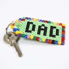 Porte clé avec des perles à repasser pour la fête des pères