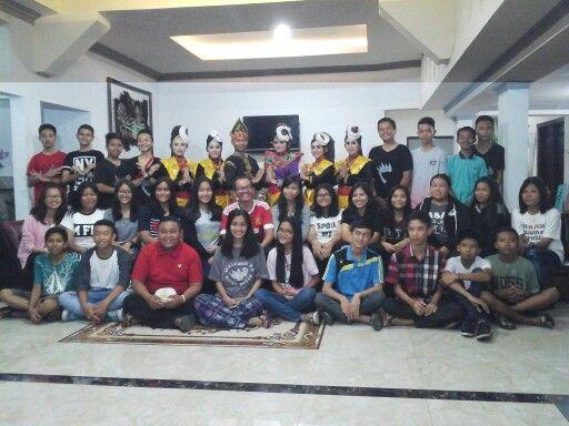Kegiatan STUDY BUDAYA MINANGKABAU dari sekolah SMP FRATER kota PADANG sumatera barat indonesia, bersama SUMATRAANDBEYOND direktur (ridwan tulus), project officer (mulyandri ramadhan bachtiar), fotografer (oce vertical), kameramen (sony syahreno), logistik (rahmatan lil alamin)