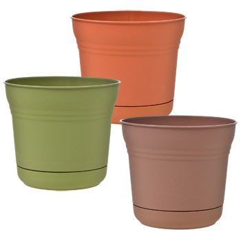 Plastic Planters with Saucers, 7.25 Dia.