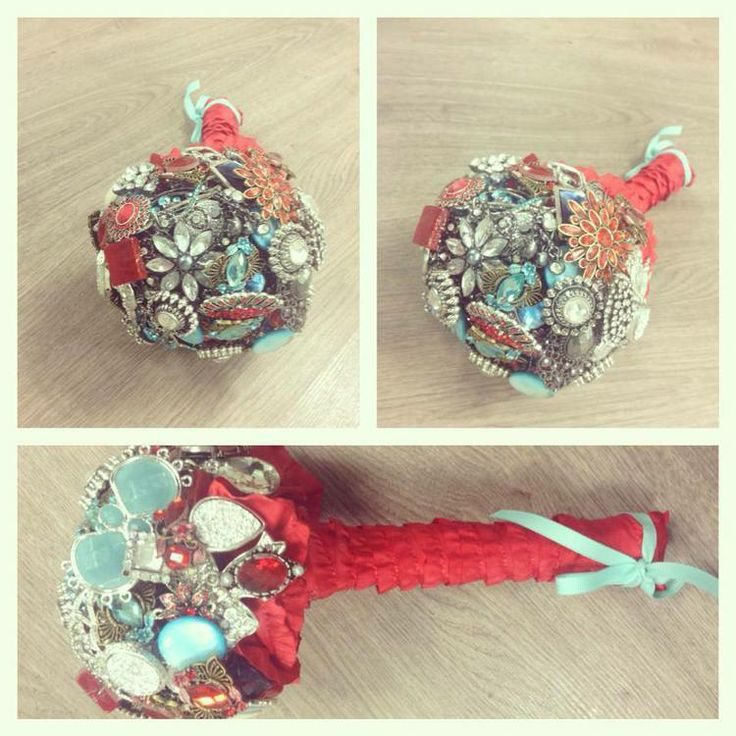 Red + blue ^petite crystal brooch bouquet.