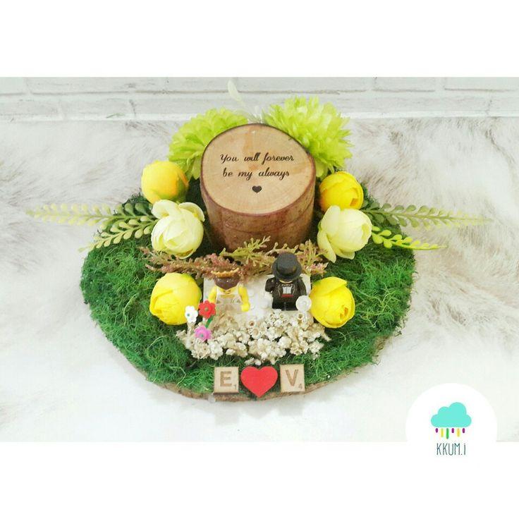 Round wooden box and wedding lego #ringbox #weddinglego #ringbearer
