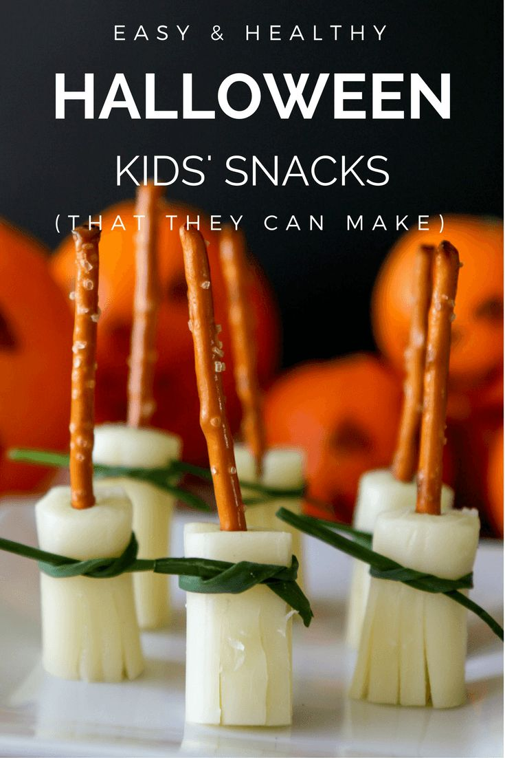 Recipes for easy and healthy Halloween snacks for kids to take to school, parties, and play dates. [ad]