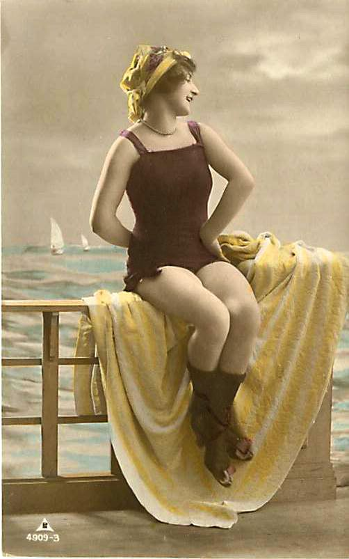 Bathing beauty - old postcard | Vintage beach, Vintage