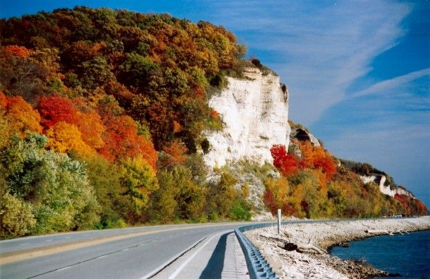 Autumn on the Great River Road, near Alton, IL