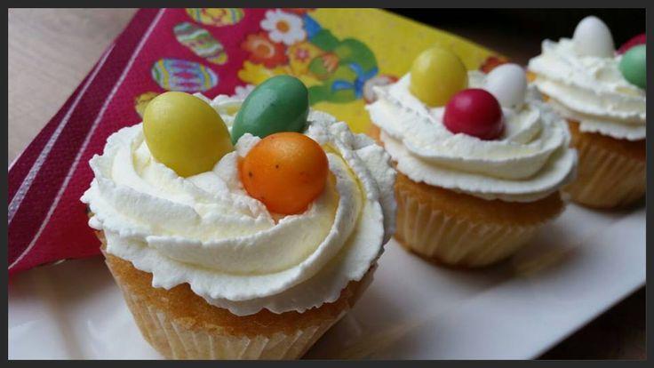 Ellouisa Cooking: Paascupcakes. Luchtige sinaasappelcupcakes met room en eitjes!