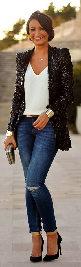 Denim, white shirt, golden accessories and sequins blazer.