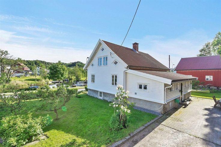 FINN – Søgne - Sjarmerende bolig fra ca. 1890. Stor, nyere låve/uthus. Båtfeste og fiskerettigheter i Lundeelva