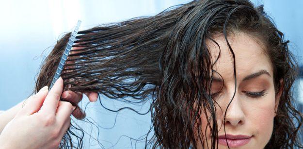I consigli per aver dei capelli ricci perfetti, shampoo, asciugatura, schiuma e altro