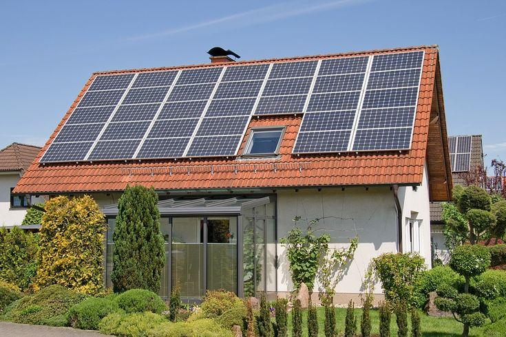 Bauen mit Solartechnik - http://www.immobilien-journal.de/haus-bauen/heizung-und-energie/thermische-solaranlage-planung-kosten-und-nutzen/