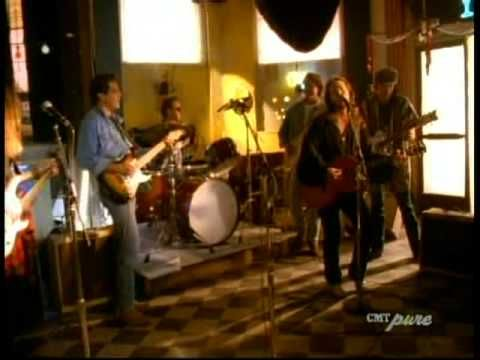 Travis Tritt feat. The Eagles-Take It Easy - YouTube (The start of a great reunion)