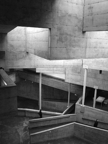 berkely art museum and pacific film archive, 1970, berkely california. by mario j. ciampi
