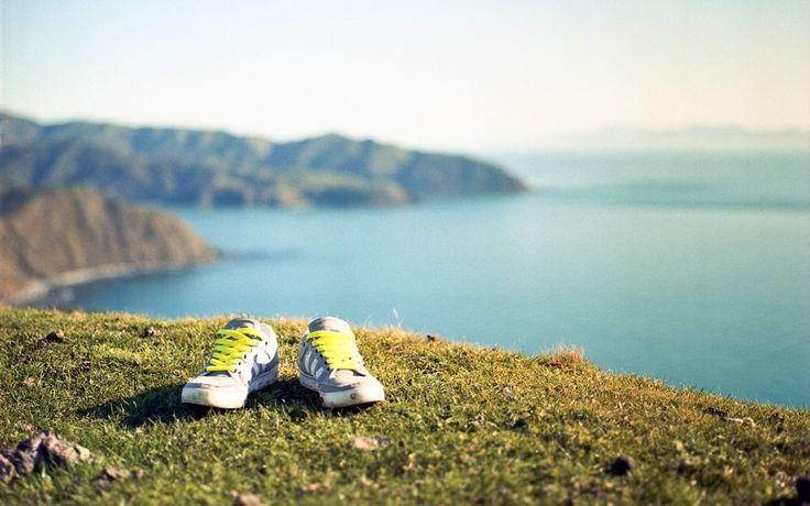 Vegane Schuhe vs. Lederschuhe: Was ist nachhaltiger?