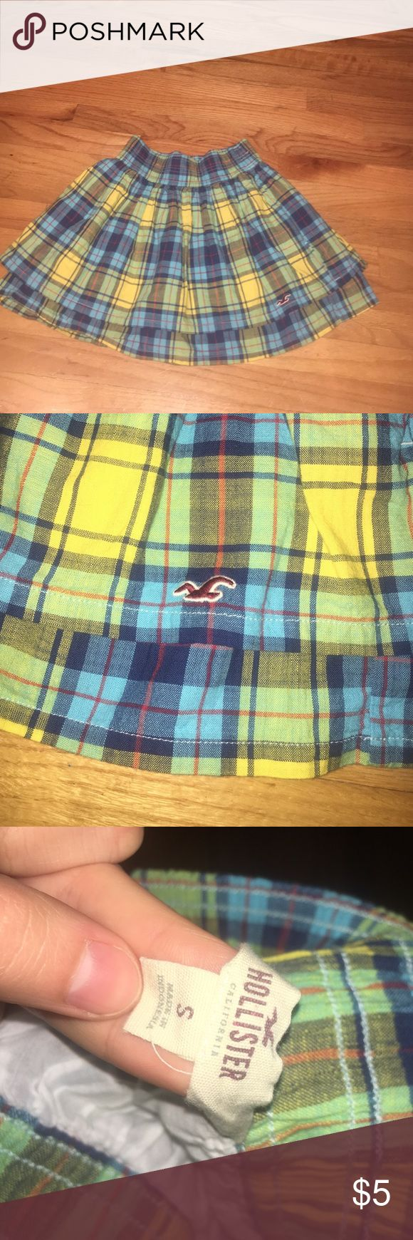 Double layered skirt Worn once, excellent condition. Hollister skirt. color yellow, blue, green and red Hollister Skirts Mini