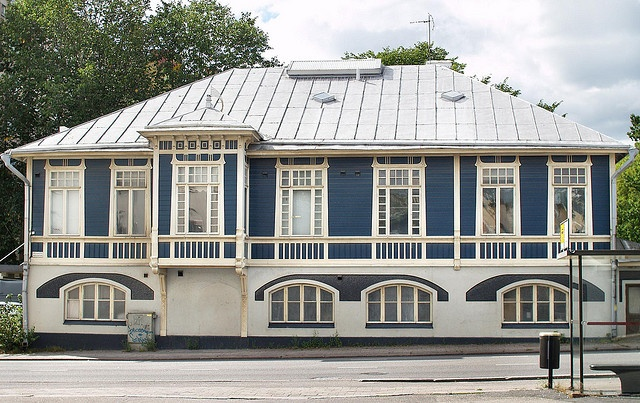 Wikeström & Krogiuksen talo Arkkitehti kreivi Carl Armfeltin 1902 suunnittelema erikoinen puinen jugendtalo Turussa, nk. sininen talo.