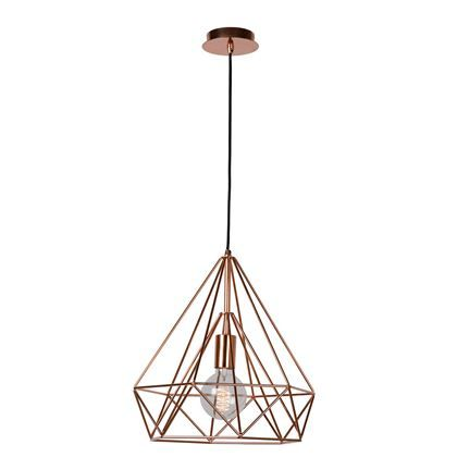 Bezig met het inrichten van je woonkamer? Een goede hanglamp is het halve werk! De Lucide Ricky Hanglamp schijnt een mooi licht door de diamantvormige kap, die uit verschillende, smalle lijnen bestaat. Mooi boven de zithoek, eethoek of in de hal!