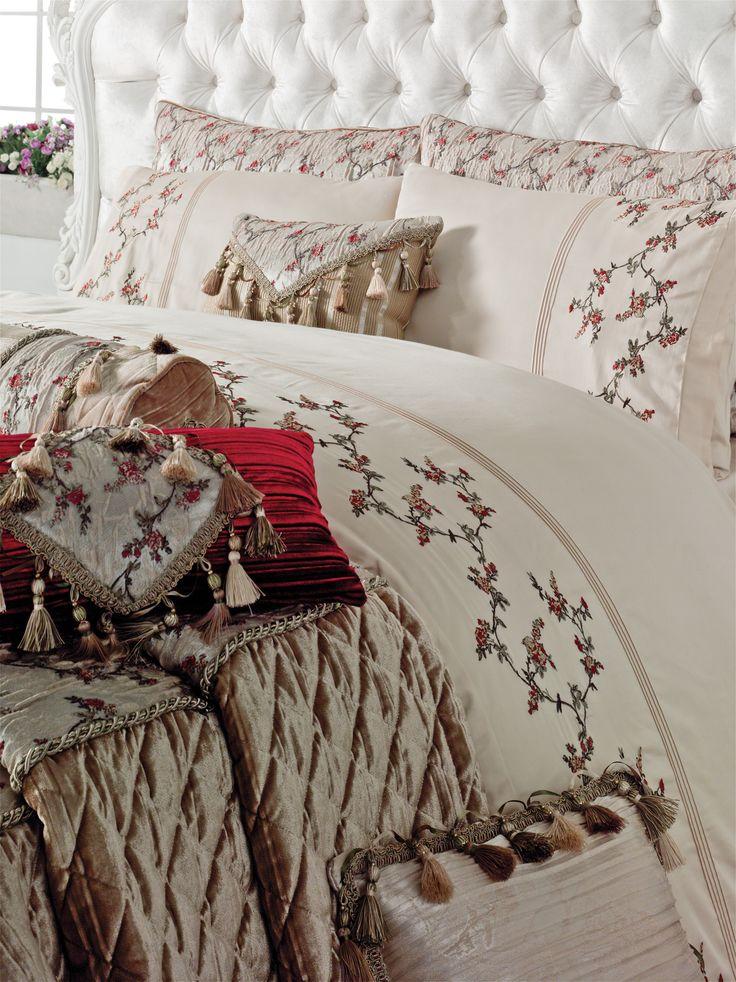 24 best images about couvre lit on pinterest oriental king comforter sets and velvet. Black Bedroom Furniture Sets. Home Design Ideas