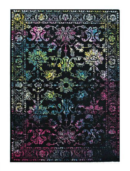 Het moderne design en de uitstekende kleurencombinaties maken van dit tapijt een sieraad voor uw woning .De handgemaakte gesneden contouren geven een prachtig 3D-effect. Het tapijt is zeer eenvoudig te reinigen, duurzaam en perfect geschikt voor vloerverwarming. Dessin Pronto 221-100 Zwart Dit tapijt is machinaal gemaakt van 100% Polyprop Leverbare maten: 80 x 150cm 120 x 170cm 160 x 230cm 200 x 290cm Pool Materiaal: 100% Polyprop Poolgewicht: 3150 gram per m2 - vloerkleeddiscounter