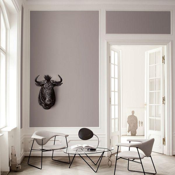 B L O O D A N D C H A M P A G N E . C O M:  classic interior vs contemporary furniture