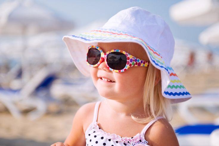 Riparare gli occhi del proprio bimbo è importantissimo, ma la maggior parte dei genitori non lo fa! http://www.iobimbosardegna.com/mamme-bambini/cura-e-alimentazione/occhi-bambino/