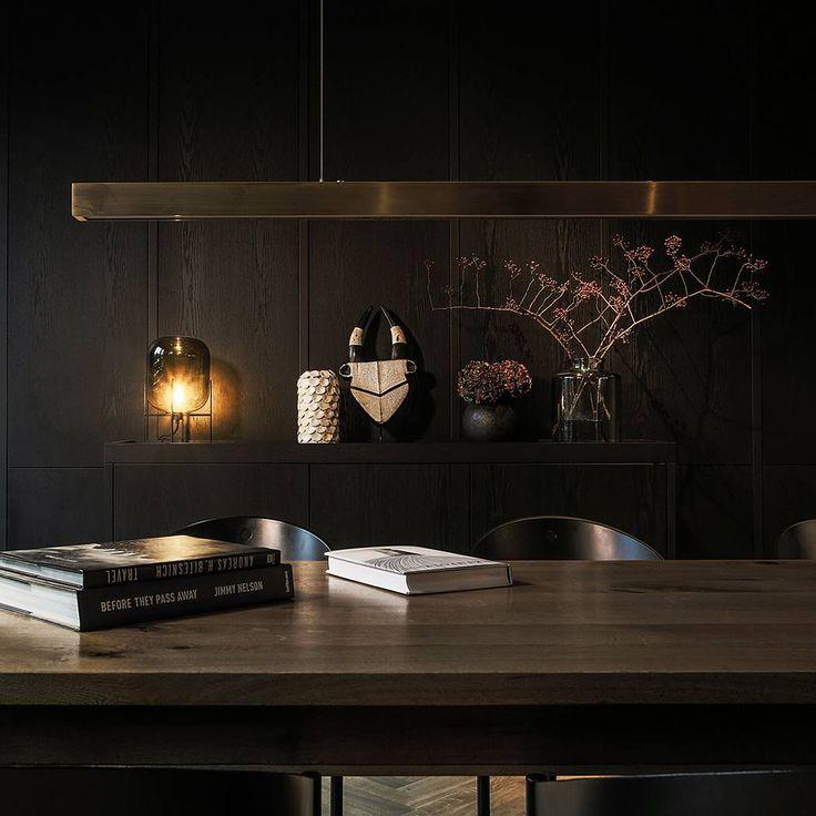 Durch das Sortiment in der Bibliothek stöbern #mauritzhofhotel #mauritzhof #hotel #münster #muenster #fourstarhotel #4starhotel #bibliothek #bücher #books #bücherwurm #relaxed