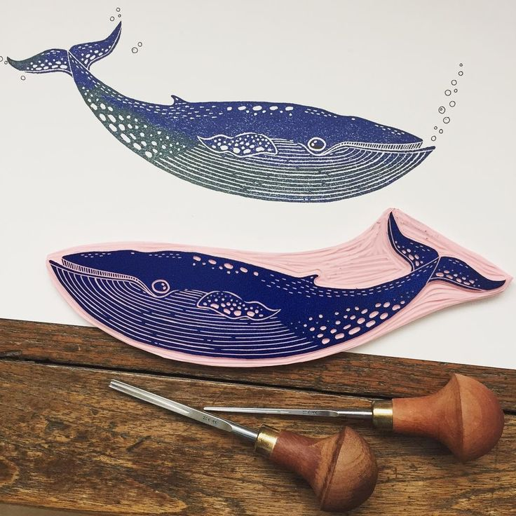 The final result of my whale carving. It was nice to carve a larger stamp than usual. #viktoriaastrom #rubberstamp #bluewhale