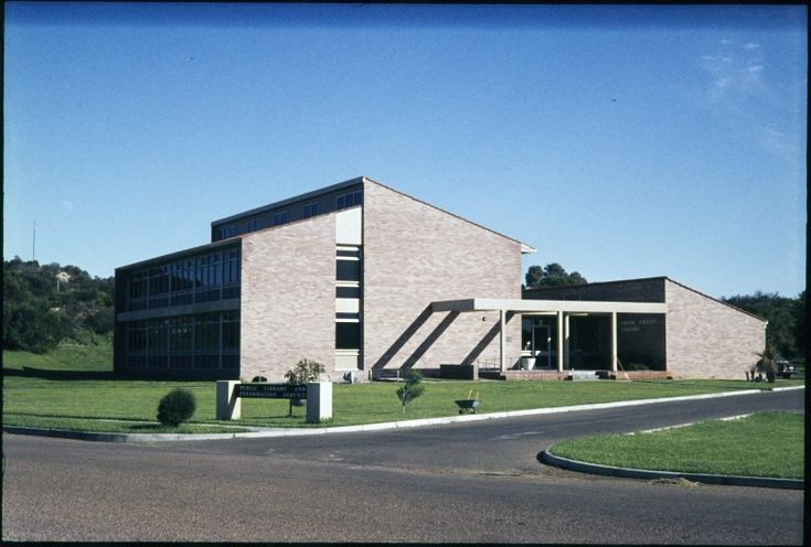 231897PD: Esperance Public Library, May 1973  http://encore.slwa.wa.gov.au/iii/encore/record/C__Rb3430766?lang=eng