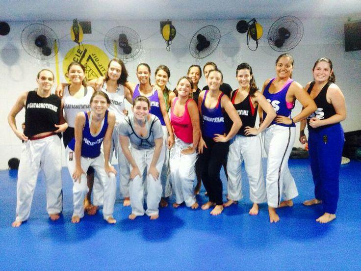 Training jiu-jitsu with friends!