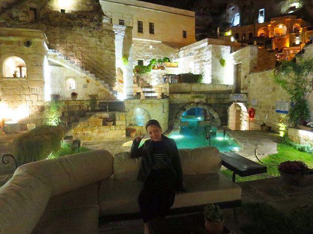 パラソルにソファーもあって 座ってるだけで癒される〜😍😍😍😍 #海外旅行 #ヨーロッパ #アジア #トルコ #カッパドキア #洞窟 #洞窟ホテル #ライトアップ #リゾート #europe #asia #turkey #cappadocia #cave #nightphotography #cavehotel #anatolianhouses #2015 #travelgram #worldheritage by mikaaa1115. ライトアップ #ヨーロッパ #洞窟 #カッパドキア #アジア #cave #anatolianhouses #リゾート #turkey #2015 #洞窟ホテル #トルコ #travelgram #europe #asia #cavehotel #nightphotography #worldheritage #cappadocia #海外旅行 #micefx [Follow us on Twitter (@MICEFXSolutions) for more...]