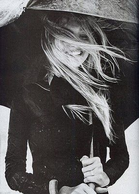 smile: Italian Vogue, Rainy Day, Black And White, Greg Kadel, Gemmaward, Black White, Gemma Ward, Photo, Hair