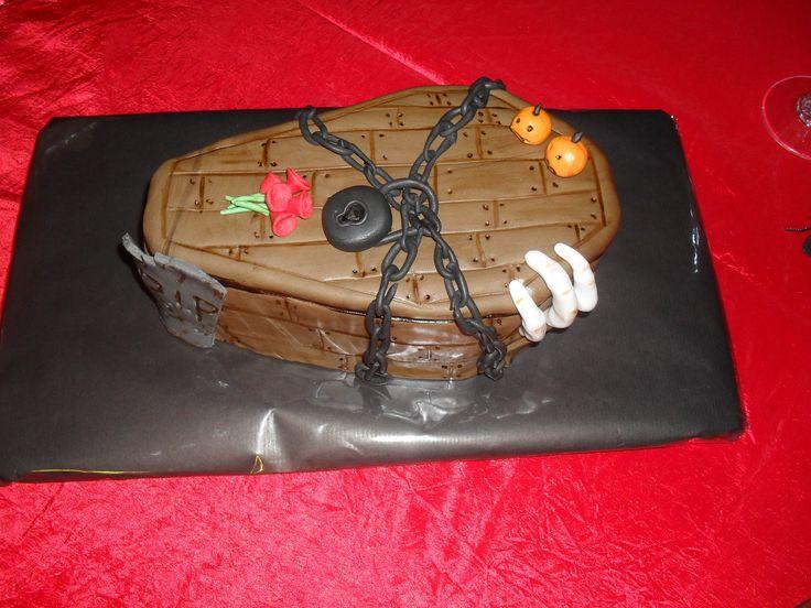 Halloween doodskist taart/ Halloween coffin cake