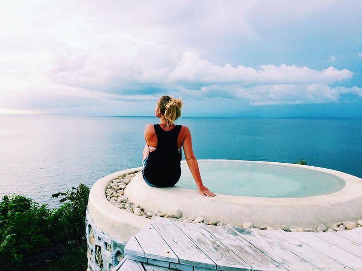 #geriabali #lajoya #biubiu www.geriabalivacation.com #paradise #beachfront #cliffresort #spa #sunset #bali #villa #resort #ocean #view #infinity #beautifuldestinations #holiday #tropical #edge #book #escape #luxurytravel #balangan #balibible #theluxurylifestylemagazine #trulyasia #wonderfulindonesia #sassychris1 #pinktrotters #vscom #vacationinbali