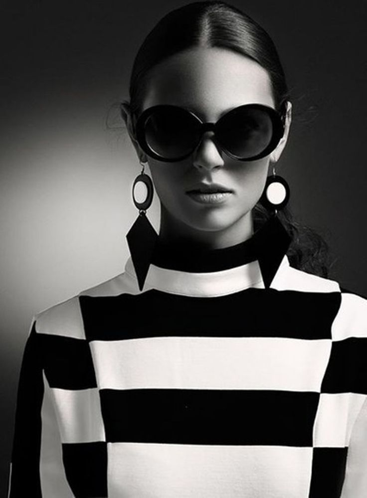 What's black and white and never gets old? The iconic pairing of these 2 shades. Try it in stripes for fall.