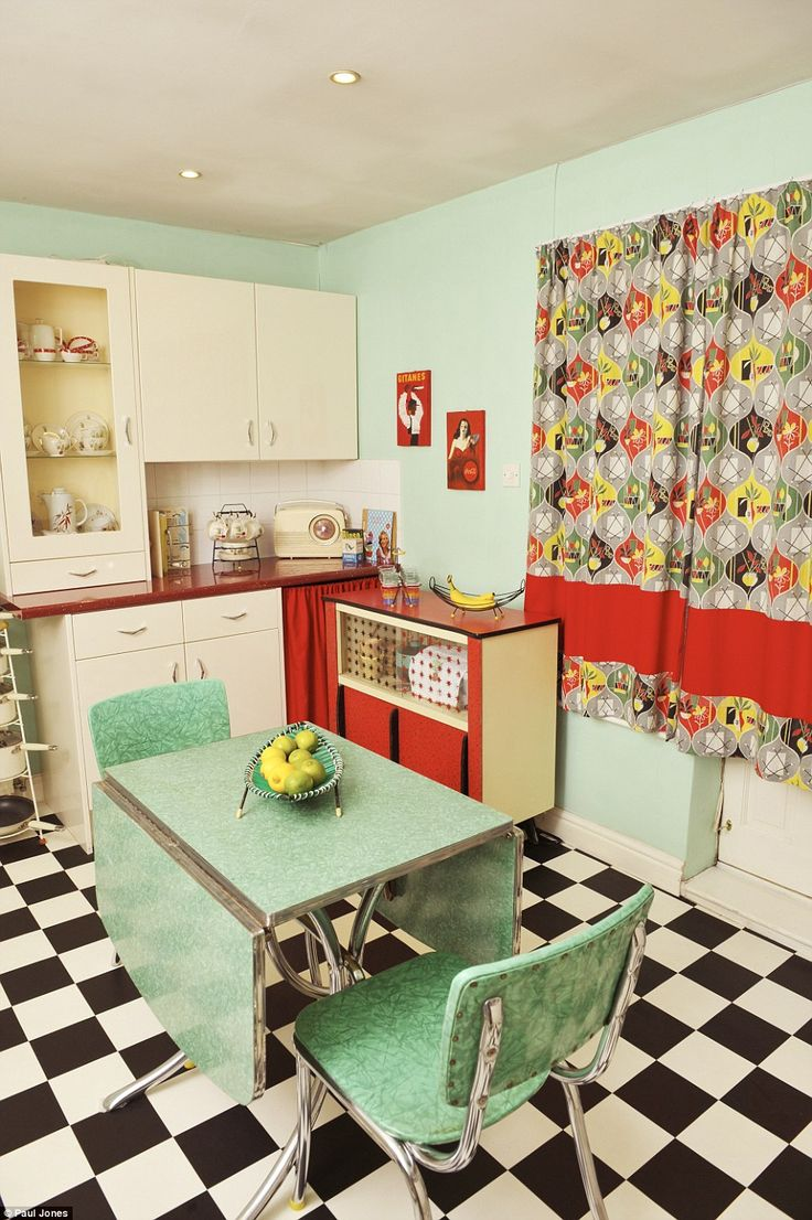 Women Who Turned Their Homes Into Shrines To Their Favourite Decade. Retro  Kitchen ...