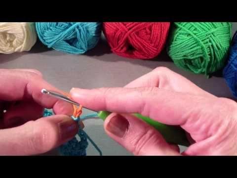 Leren haken: je haakwerk van kleur wisselen - YouTube